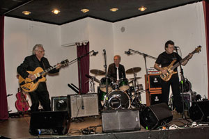 The Ron Barrett Trio with Guy Mackenzie on drums